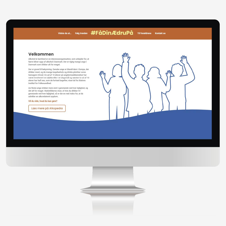 Nikolaj With Lauritsen udviklede denne hjemmeside på ca. 7 timer, som en del af hans svendeopgave, under uddannelsen som Mediegrafiker